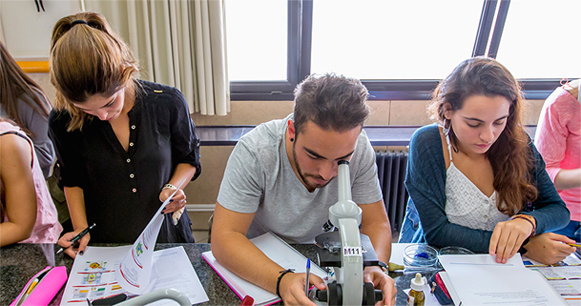 Estudiants de la Facultat d'Educació de la UB.